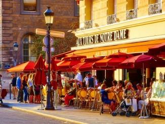 Ulice v Paříži - Foto: © Moyan Brenn