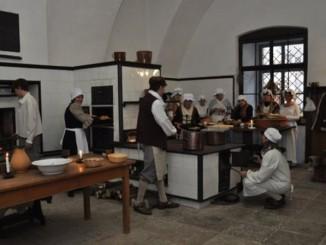 Pečení v zámecké kuchyni - Foto: © Zámek Žleby