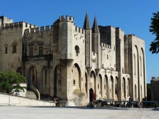 Papežský palác v Avignonu - © Foto: TravelPlacesAndLife.com
