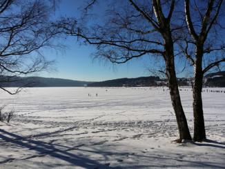 Zimní výhled na Lipenské jezero - © Foto: TravelPlacesAndLife.com