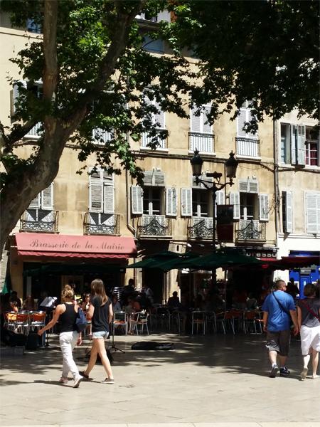 Letní odpoledne v Aix en Provence - © Foto: TravelPlacesAndLife.com