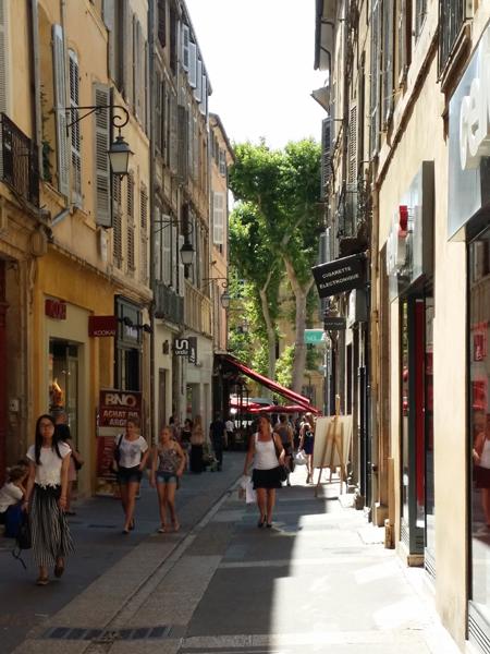 Letní atmosféra v Aix en Provence - © Foto: TravelPlacesAndLife.com