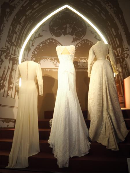 Svatební-šaty-Výstava-Retro