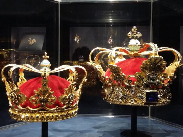 Královské-koruny-zámek-Rosenborg