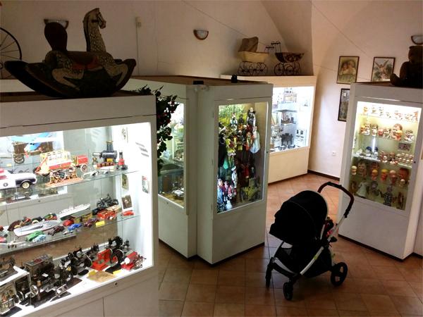 Návštěva Muzea hraček, Benátky s kočárkem