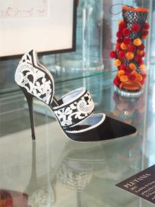 Manolo Blahnik - výstava bot v Praze