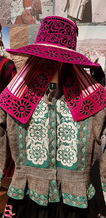 Indiánské oblečení - Náprstkovo muzeum