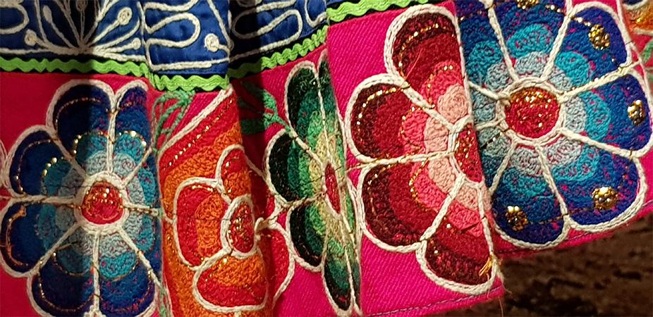 Květy na indiánské sukni - Náprstkovo muzeum